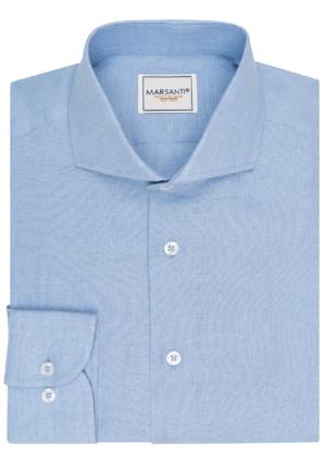 Camisa azul claro piquet.